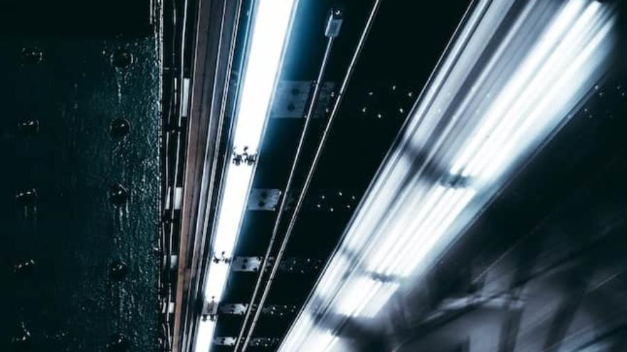 ニューロン 電気 Neuron 電気工事 電気屋さん 工事 商業 店舗 大規模 LED 照明 配線24