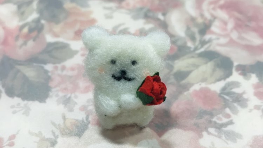 羊毛フェルト 熊 ブローチ
